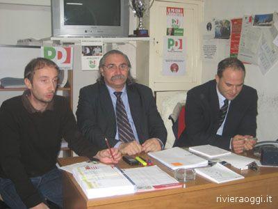 Claudio Sibillini, coordinatore comunale del Pd offidano, il sindaco Lucio D'Angelo e il candidato sindaco Valerio Lucciarini