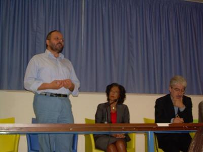 Il sindaco Gaspari, il dirigente scolastico Fazzini e il presidente della Provincia Rossi