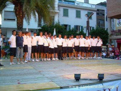 La prima squadra del Grottammare Calcio assieme al presidente Pignotti alla presentazione della stagione 2008-2009