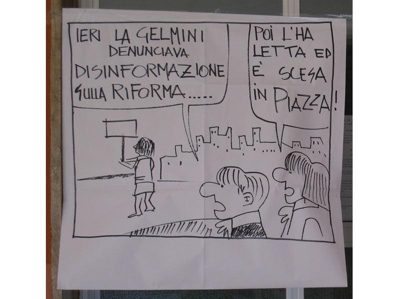 Uno dei manifesti esposti nella scuola durante l'occupazione