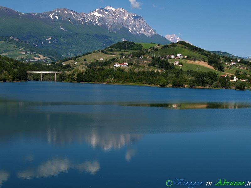 Uno scorcio del lago di Penne