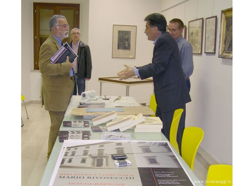 Il Sindaco Luigi Merli con Francesco Scarabicchi (a sinistra) e Valerio Rivosecchi (a destra)