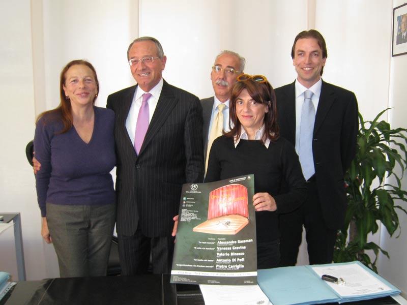 Annalia Gebbia, il sindaco Di Salvatore, Pietro Dursi, Carla Dragoni, Massimo Vagnoni presentano la locandina di