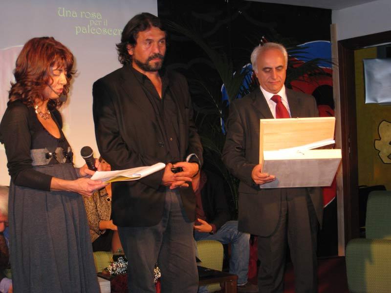 Antonio Di Pofi premiato da Leandro Di Donato
