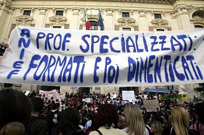 La protesta per la scuola
