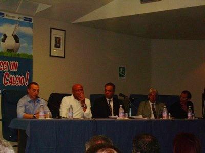 Il tavolo dei relatori : Juri Chechi, Stefano Colantuono, Maurizio Compagnoni, Pierluigi Pompei e Roberto Farroni