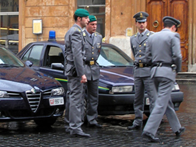 un arresto della Guardia di Finanza nell'ambito dell'operazione