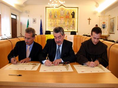 La firma che ufficializza la costituzione del centro studi