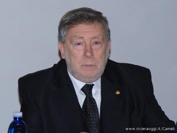 Il critico Armando Ginesi