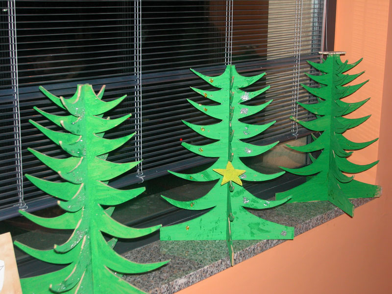 2- Gli alberi di Natale costruiti dai bambini