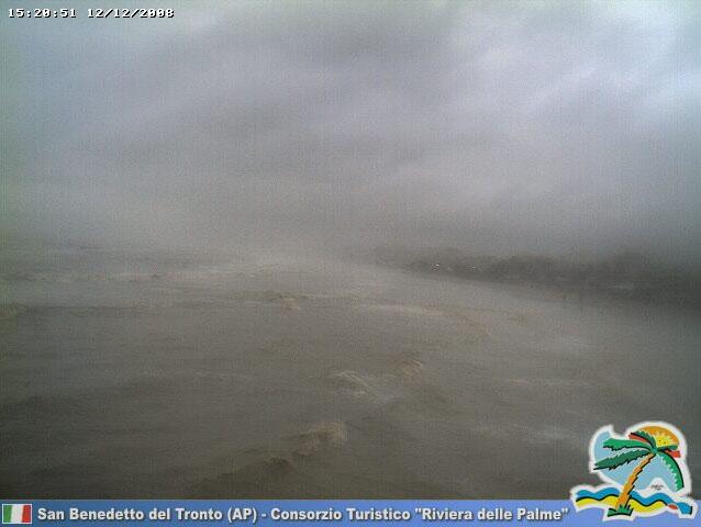 Un'immagine dalla web-cam da meteorivierapicena.net
