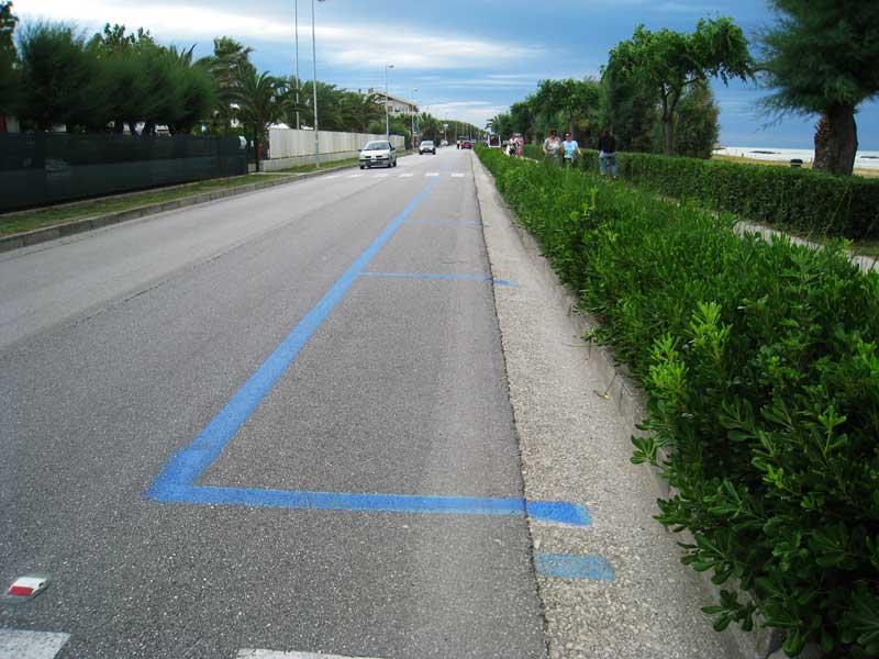 Parcheggi blu sul lungomare di Martinsicuro