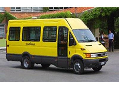 Sedicenne ruba uno scuolabus a Giulianova