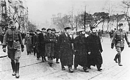 Ebrei deportati ai campi di concentramento