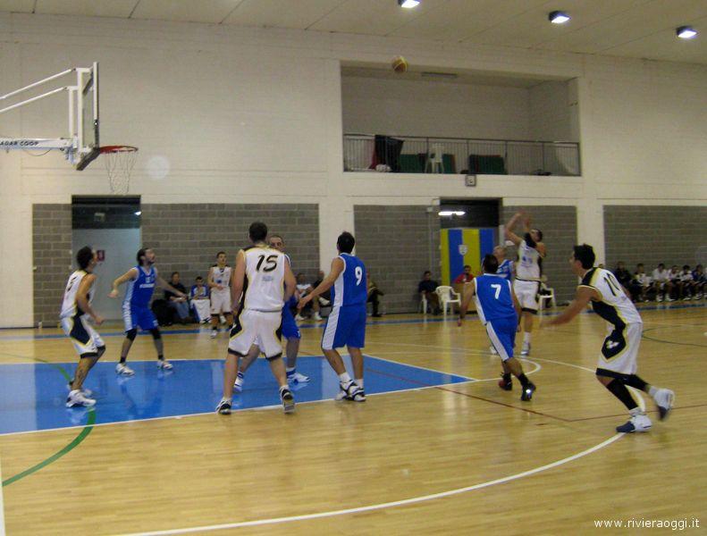 Il Martinsicuro Basket in una recente sfida casalinga