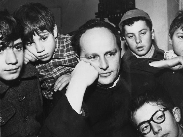Don Milani e i suoi ragazzi della scuola di Barbiana