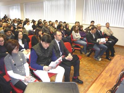 La platea di sabato mattina all'Istituto Tecnico Commerciale di San Benedetto del Tronto