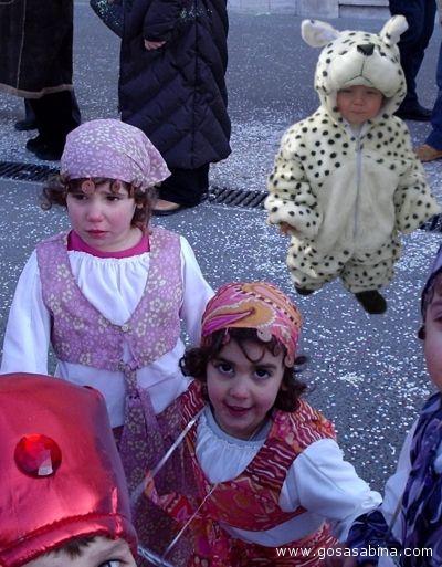 Bambini mascherati