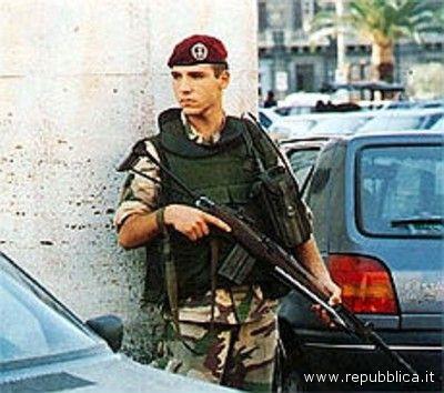 Militari nelle strade