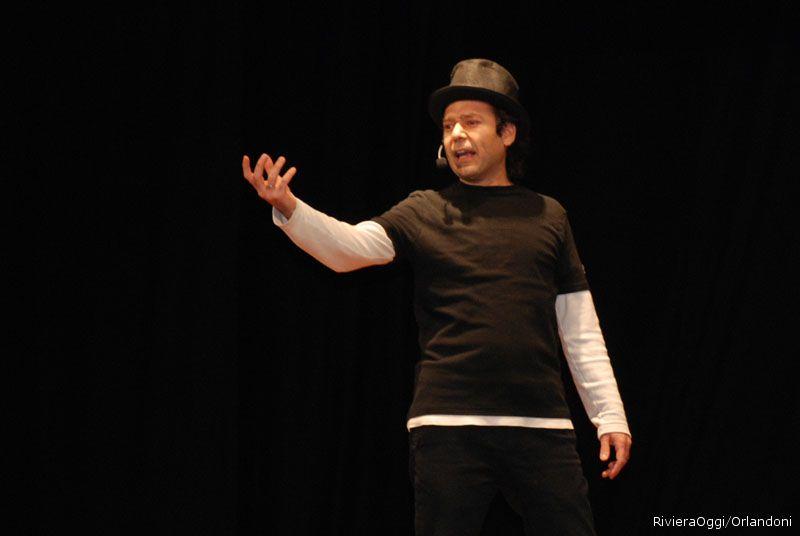 Il cabarettista Omid