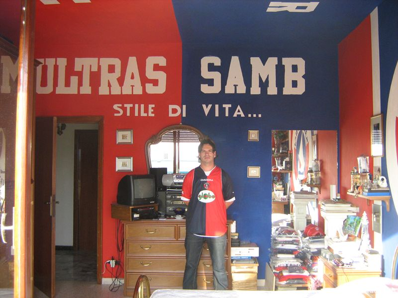 Roberto Capriotti nella sua camera