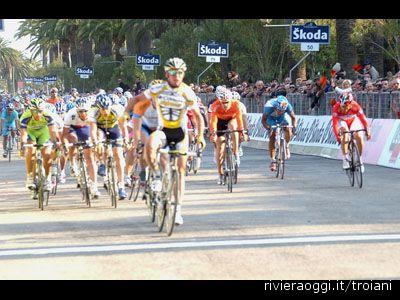 Tirreno-Adriatico 2009: Cavendish regola la volata