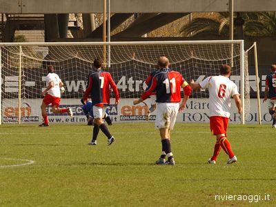 Il gol di Curiale per il Ravenna: Caccavale dov'è?