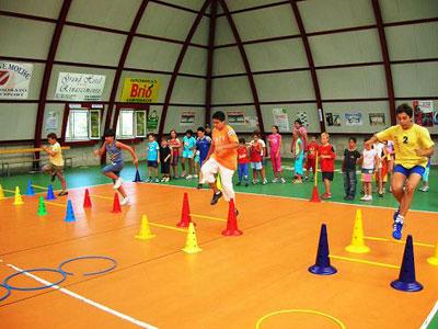 Ragazzi impegnati in attività sportive