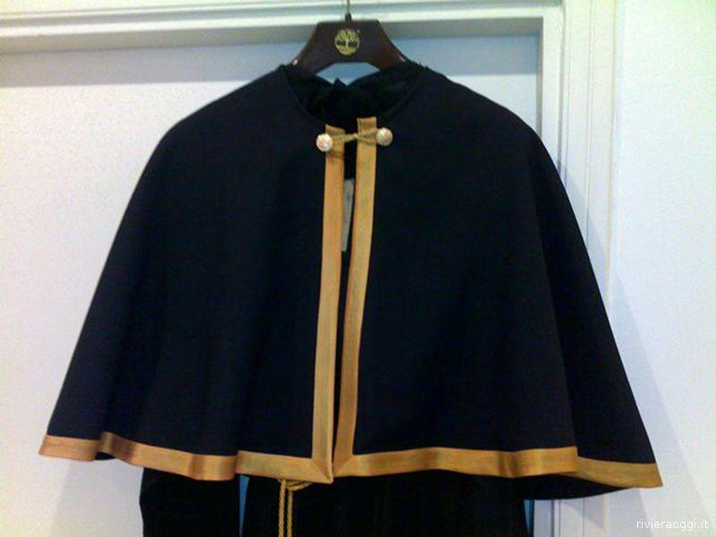Le nuove tuniche per la Processione del Cristo Morto