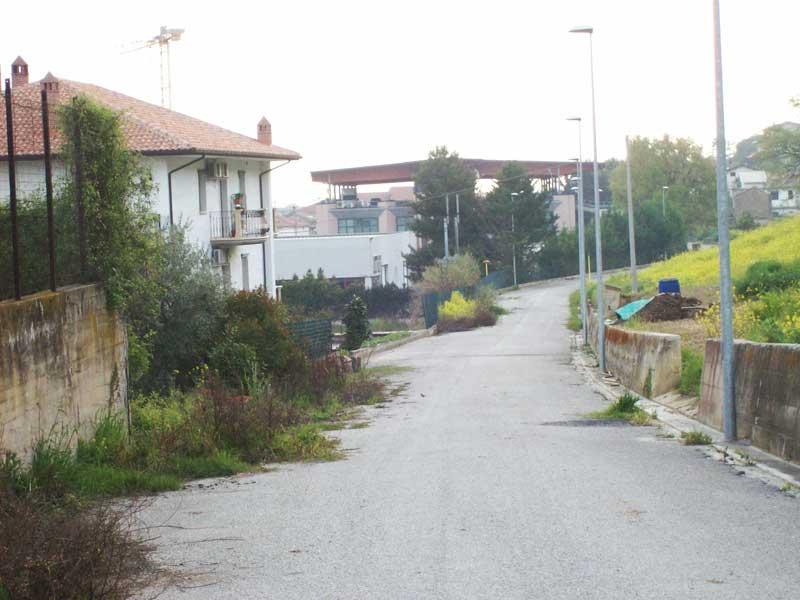 La strada di via Vecchia Salaria