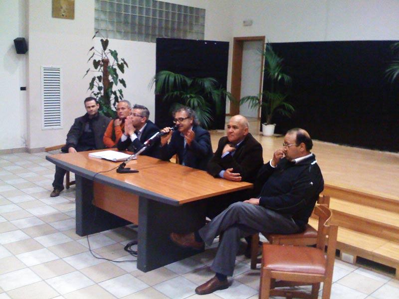 Alduino Tommolini, Romano Antonini, Paolo Camaioni, Armando Tribuiani (moderatore della serata), Mauro Paci e Gianfranco De Luca