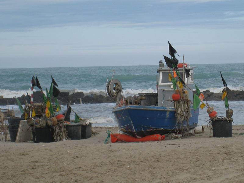 Una barca al porto di Martinsicuro