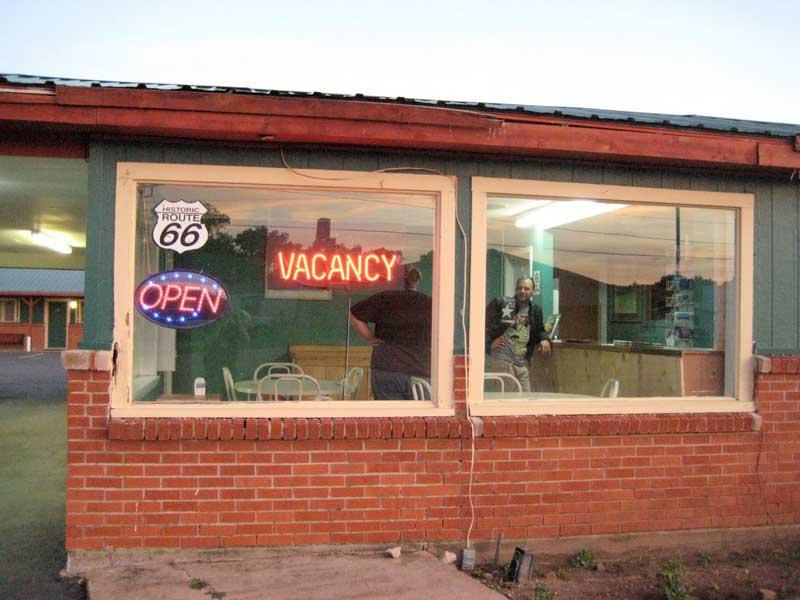 Il motel a Shamrock (Texas) in cui hanno passato la notte