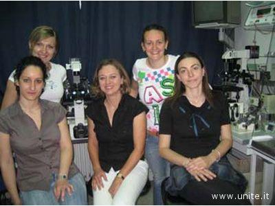 Da destra in alto: Antonella Fidanza e Marta Czernik. In basso: Paola Toschi, la dottoressa Grazyna Ptak e Federica Zacchini