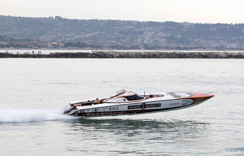 Powerboat 2009, il Cigarette Smash Poker corre nelle acque sambenedettesi