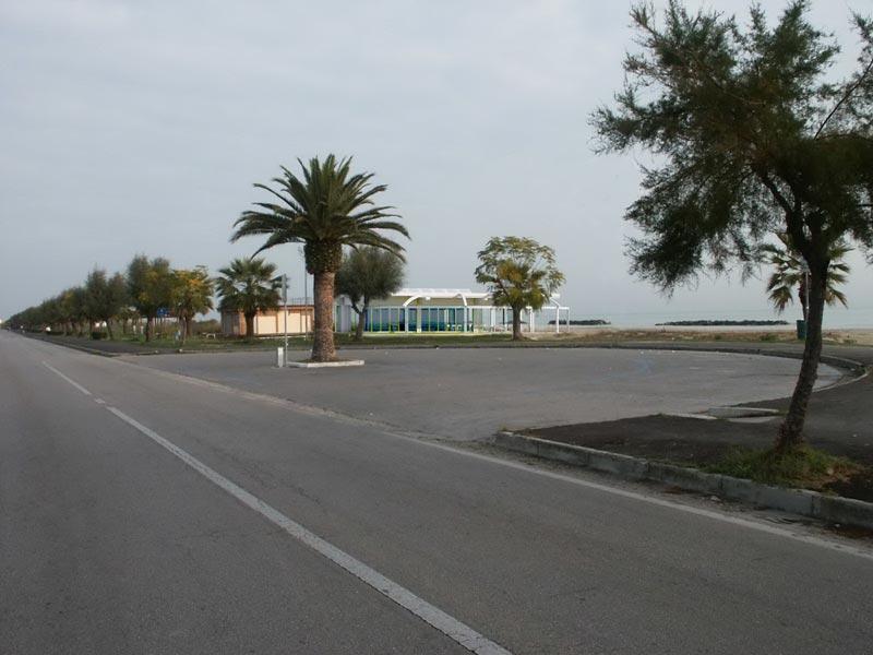 Un rendering dello stabilimento balneare Adriatico Handisport 2000 sul lungomare di Martinsicuro