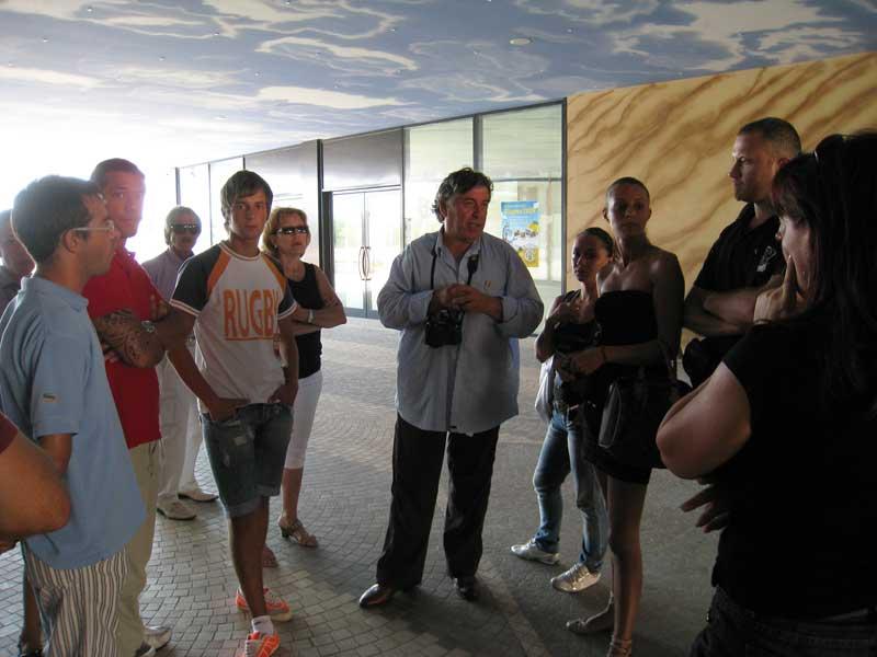 Giuliano Marsili (al centro) e alcuni membri del Comitato