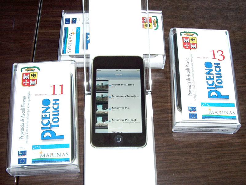 Gli iPod touch a disposizione dei diportisti: vediamo una schermata della sezione Video, con filmati in italiano e inglese su tutti i 73 comuni delle province di Ascoli e Fermo