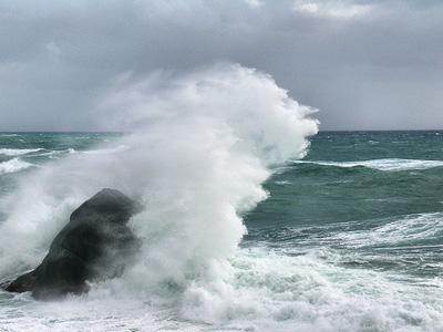 Il mare grosso di domenica 26 luglio ha portato a numerosi salvataggi nella costa teramana