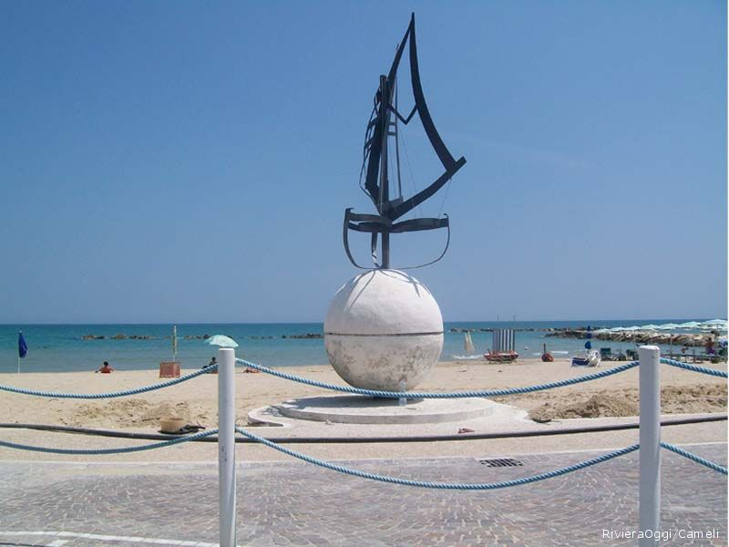 Il Monumento alla vela di Cleto Capponi nella nuova collocazione
