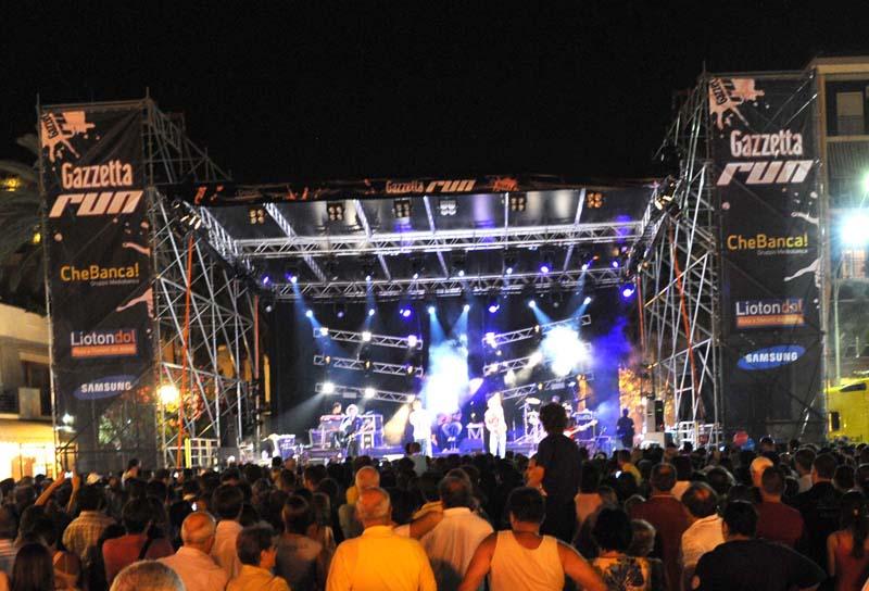 Il concerto degli Zero Assoluto presso la Rotonda Giorgini