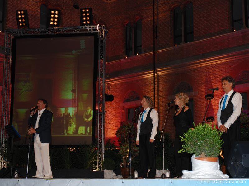 Enzo Iacchetti con la Witz orchestra