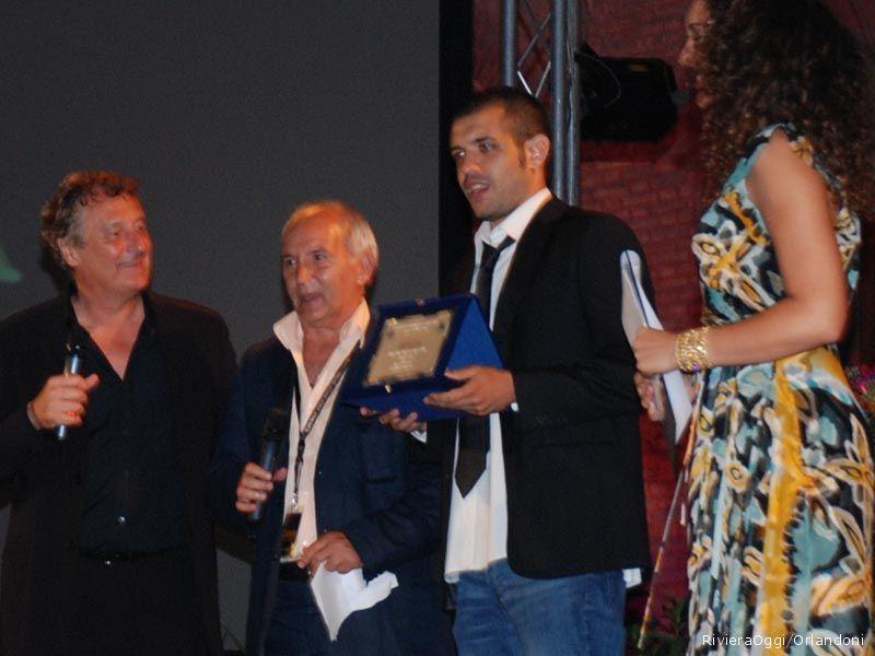 Il premio della stampa per Francesco De Carlo