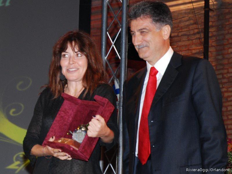 Sabina Guzzanti, Arancia d'oro per la venticinquesima edizione con il Sindaco Merli