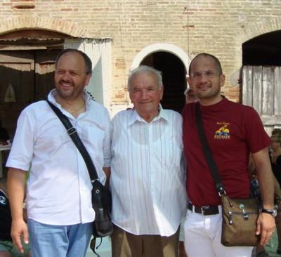 I sindaci Giovanni Gaspari e Guido Castelli insieme ad Emilio Ferri, in una foto del 2009
