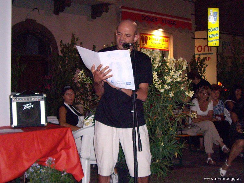 L'attore Fernando Micucci declama le Odi alla Cozza