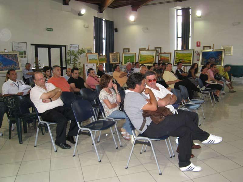 Il pubblico presente al consiglio comunale di venerdì 7 agosto