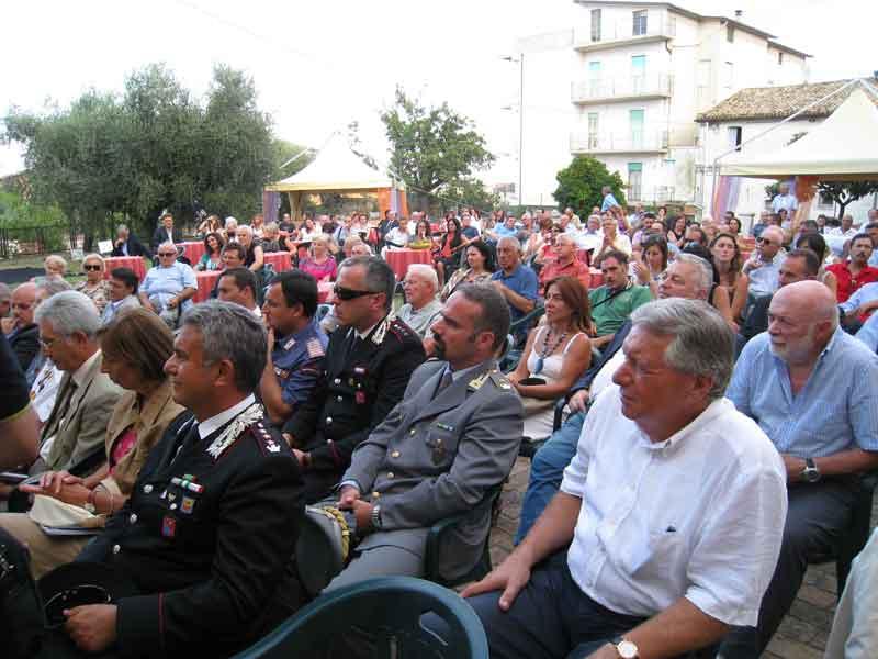 Il pubblico presente all'inaugurazione del museo archeologico