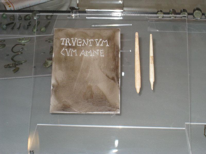 Tavoletta di legno ricoperta di cera, utilizzata per la scrittura