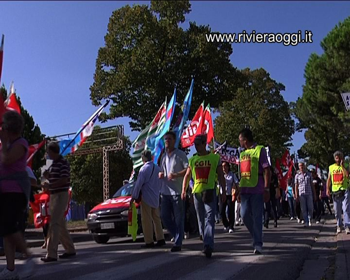 Marcia per il Lavoro nel Piceno, organizzata dai sindacati confederali sulla Salaria il 19 settembre